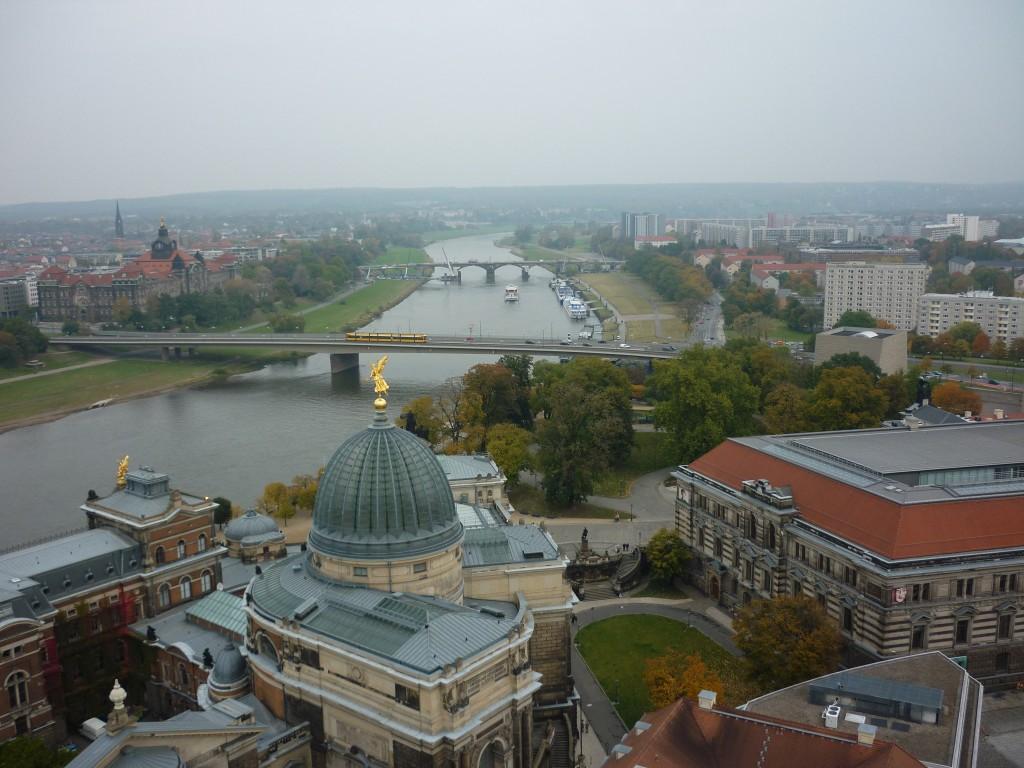 Vistas de Dresden e do río Elba desde o alto da Frauenkirche