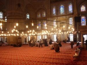 Interior da mezquita azul