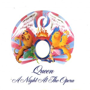 565f763581415_queen-a-night-at-the-opera-delantera