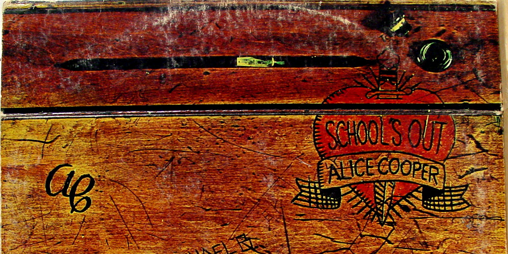 Alice-Cooper-Schools-Out-Feat-Image
